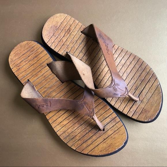 f64cb1934d9c Old School Reef Sandals. M 5b0996682ab8c5919d794fa5